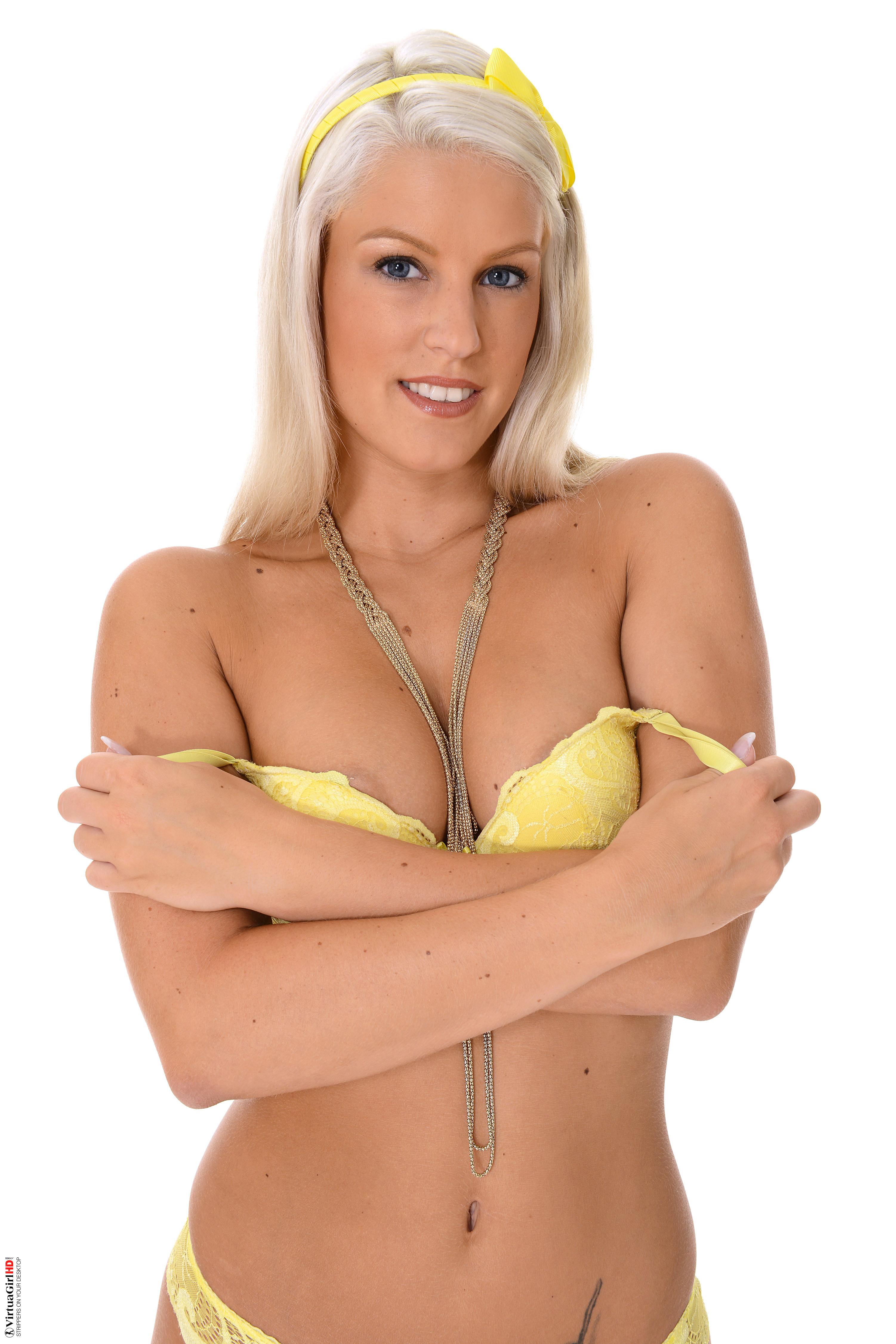 girls naked wallpaper
