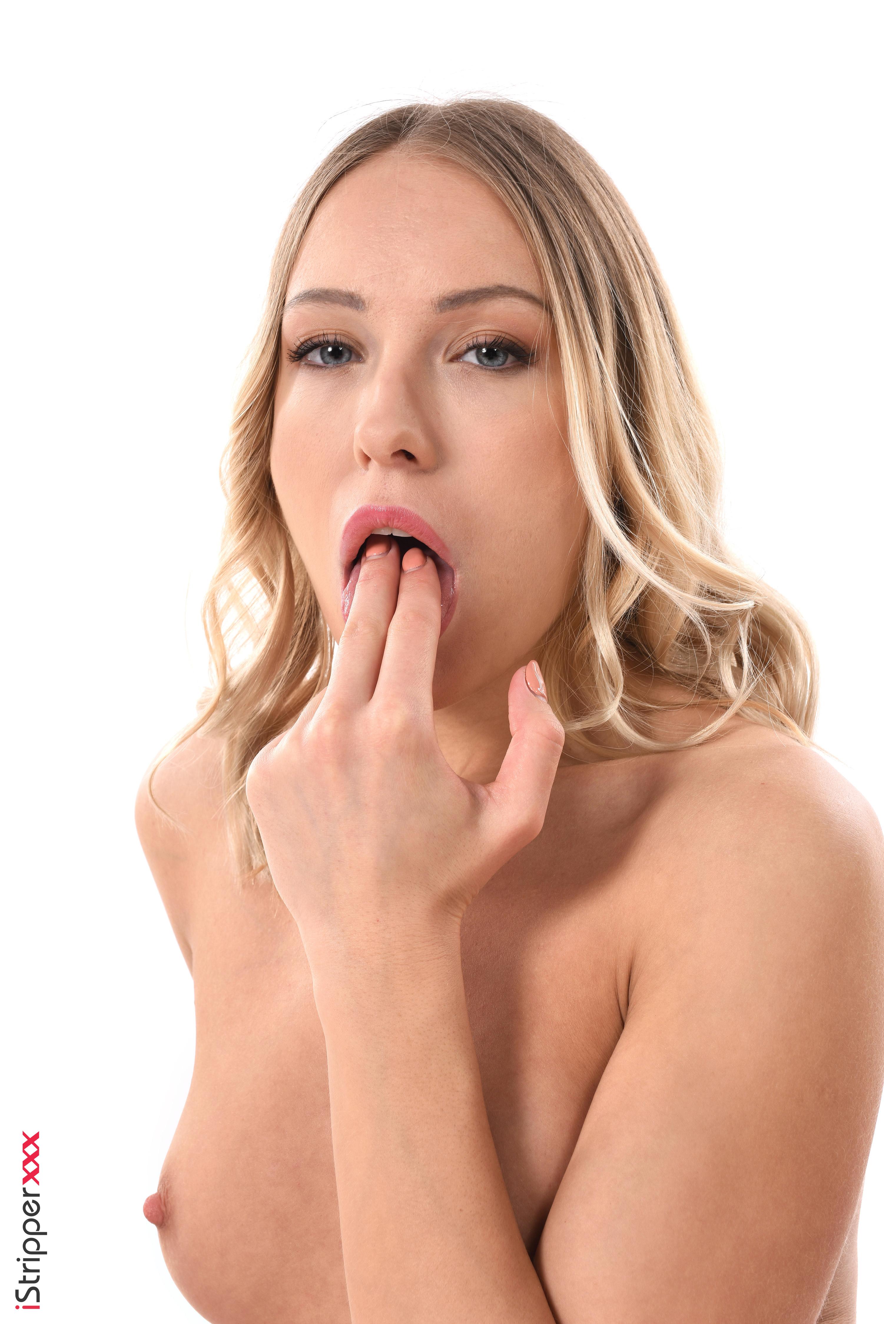 nude wallpapers com