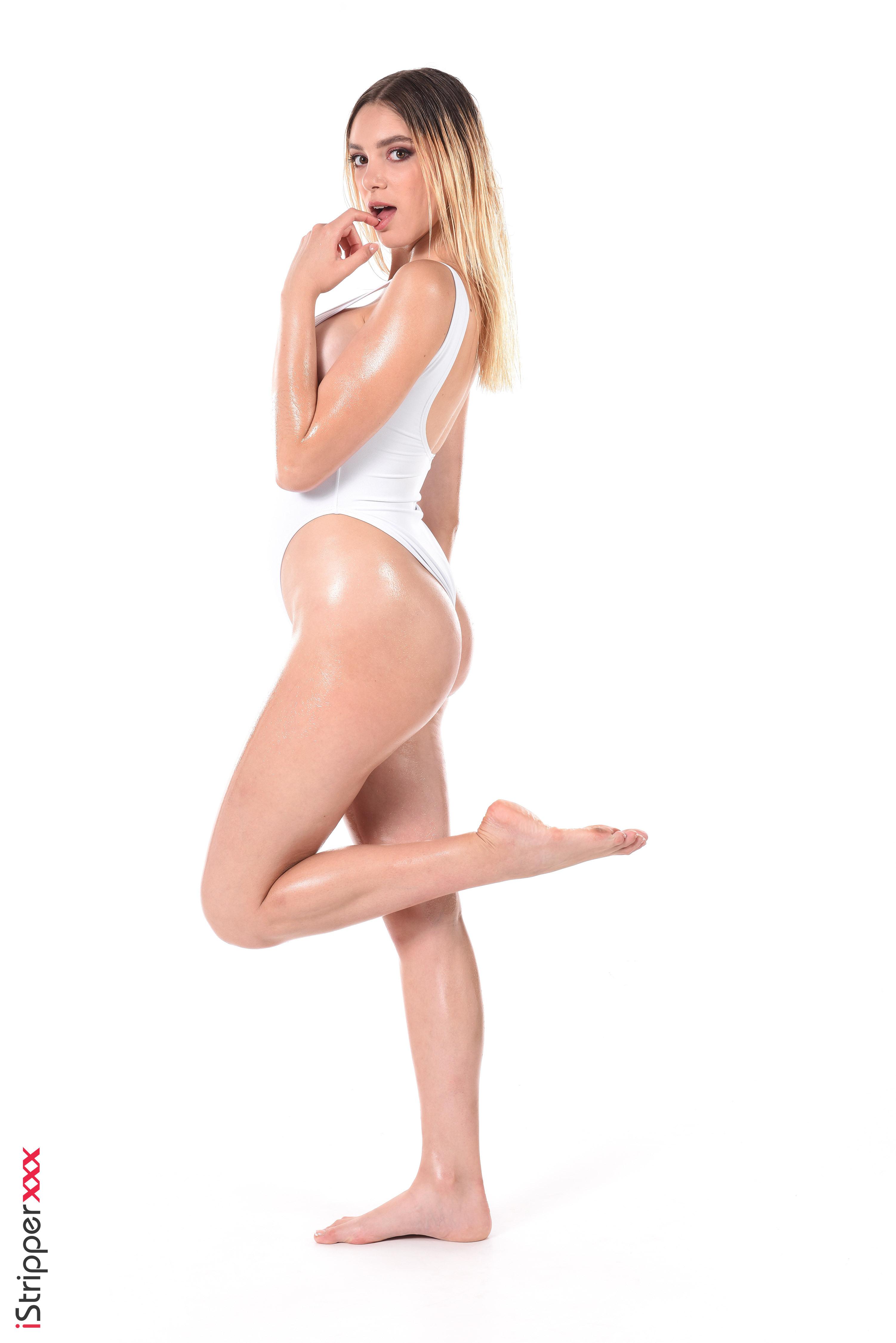 naked blonde wallpaper